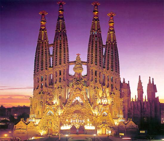 Barcelona_bezienswaardigheden---La-Sagrada-Familiag.jpg