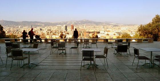 Prachtig uitzicht over barcelona barcelona - Dakterras restaurant ...